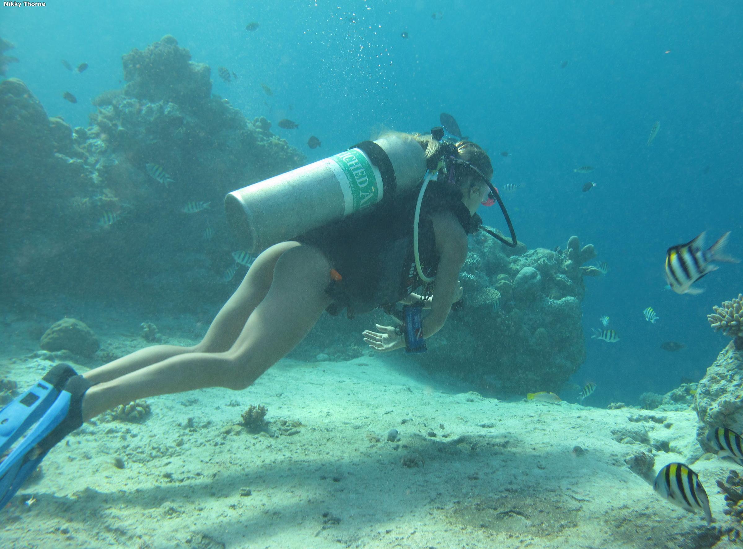 Секс под водой с акулами 5 фотография