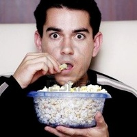 http://cdn.stripersonline.com/8/85/200x200px-ZC-85cd51d3_3192526-man-eating-popcorn-while-watching-movie.jpeg